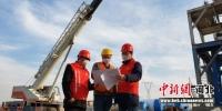 图为京德高速ZT4合同项目位于河北霸州境内的施工现场。 贺华 摄 - 中国新闻社河北分社